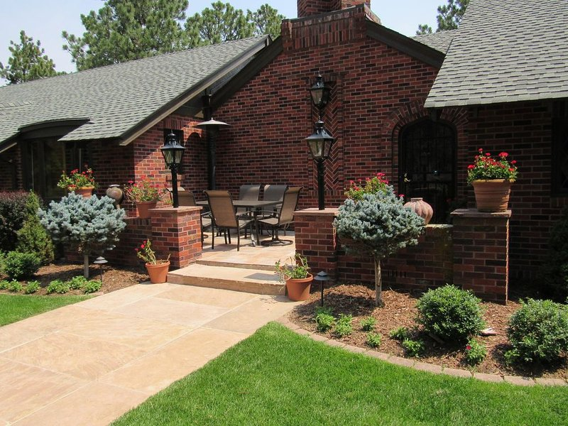 Whispering Pines in the Broadmoor, holiday rental in Fort Carson