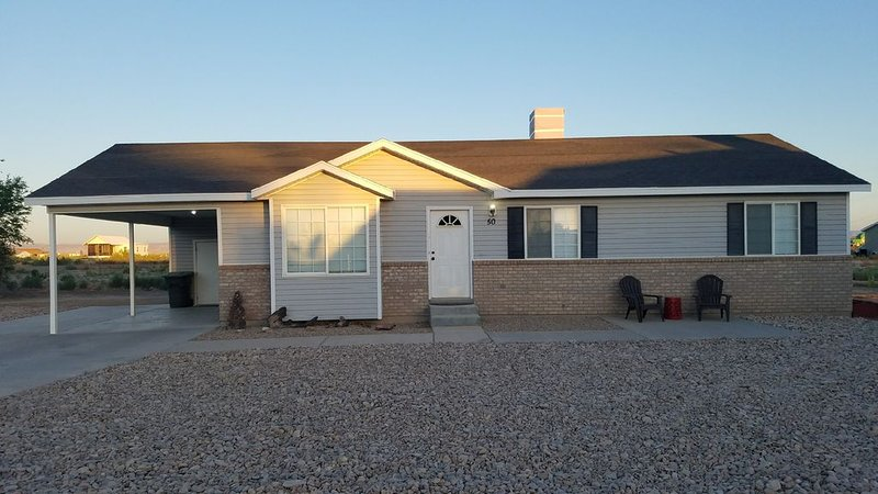 Bright Comfortable Home in Green River, UT, holiday rental in Green River