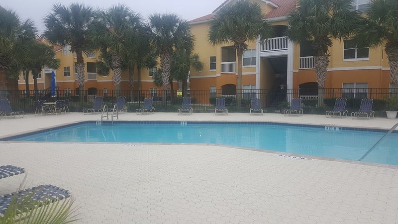 Madeira Beach - Seminole 2 Bed/2 Bath Heated Pool / Exercise/Nicely Furnished, holiday rental in Seminole