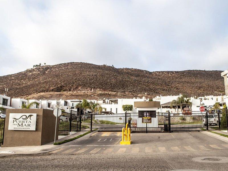 Acogedora casa en Ensenada, vacation rental in Ensenada