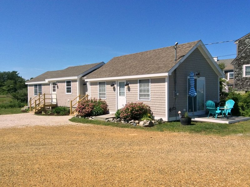 Newly Renovated (2017) Beachfront Cottage On Near Rye Harbor & Jenness Beach!, vacation rental in Rye Beach