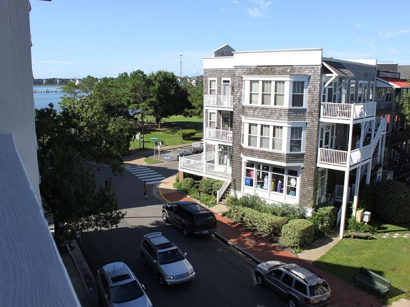 Manteo opens on the 16 of May to all visitors, holiday rental in Manteo