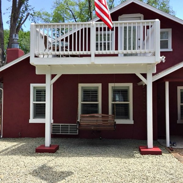 1930's General Store that is comfortable and walk-able to downtown, holiday rental in Chino Valley