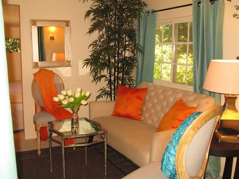 - Intimate Luxury... Minutes From Malibu Beach in a Beautiful Park-like Setting-, holiday rental in Malibu