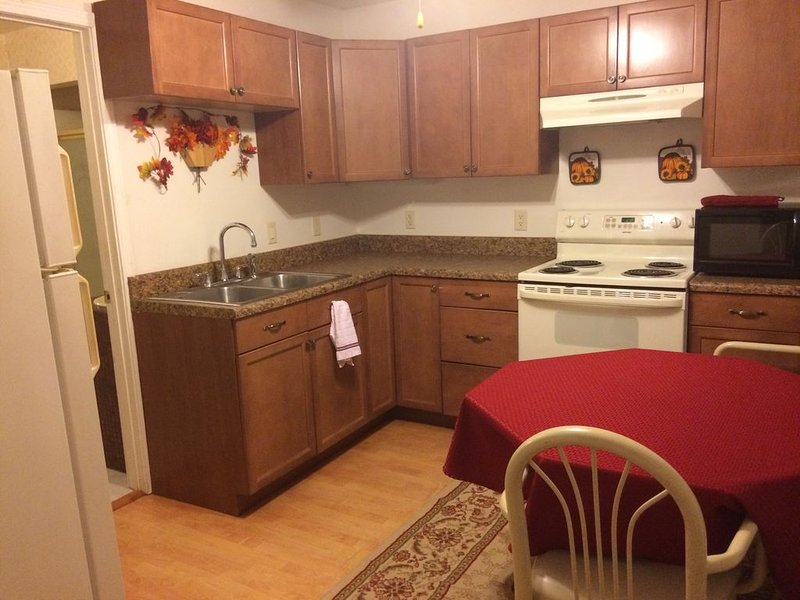 Guest Suite central to everything, vacation rental in Pace