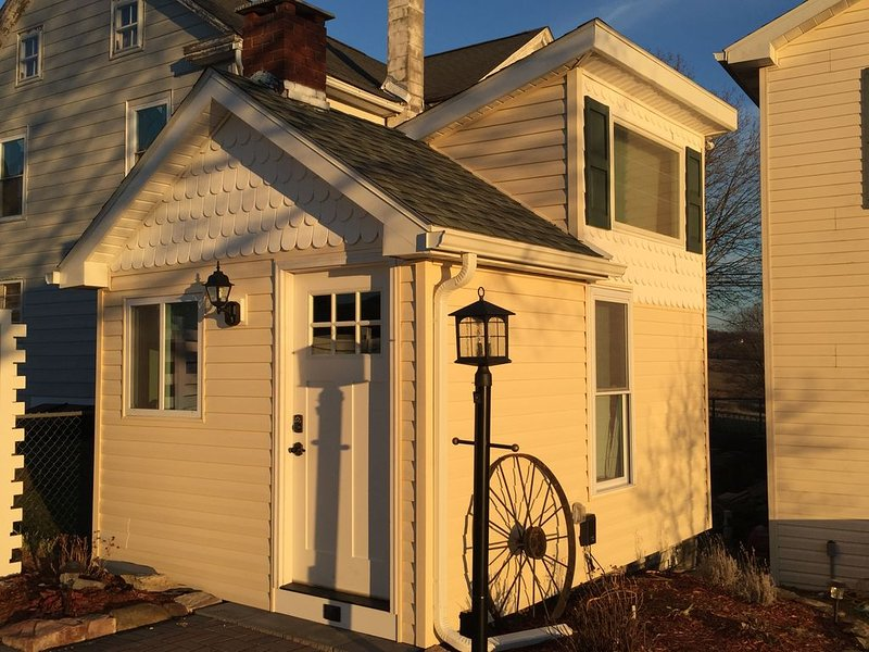 Tiny House at Leaser Lake B and B -- Cozy, Comfortable, Private Country Getaway, holiday rental in New Tripoli