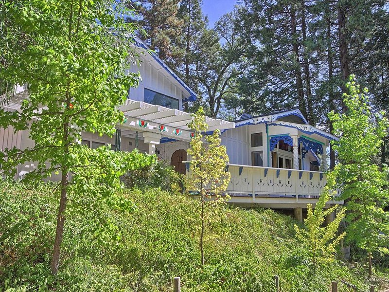 Fairytale  Home, Charming And Delightful, 14 Miles From Yosemite National Park, vacation rental in Bass Lake