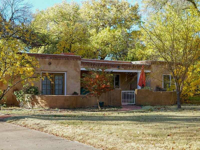 North Valley Retreat, holiday rental in Albuquerque