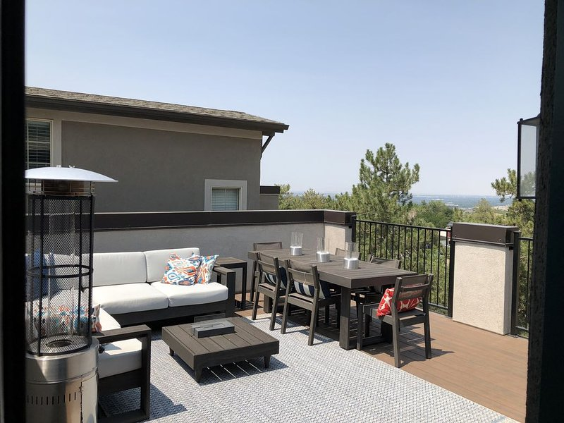 Beautiful New ski/ Summer / business home at the base of the Cottonwood Canyons, alquiler vacacional en Cottonwood Heights