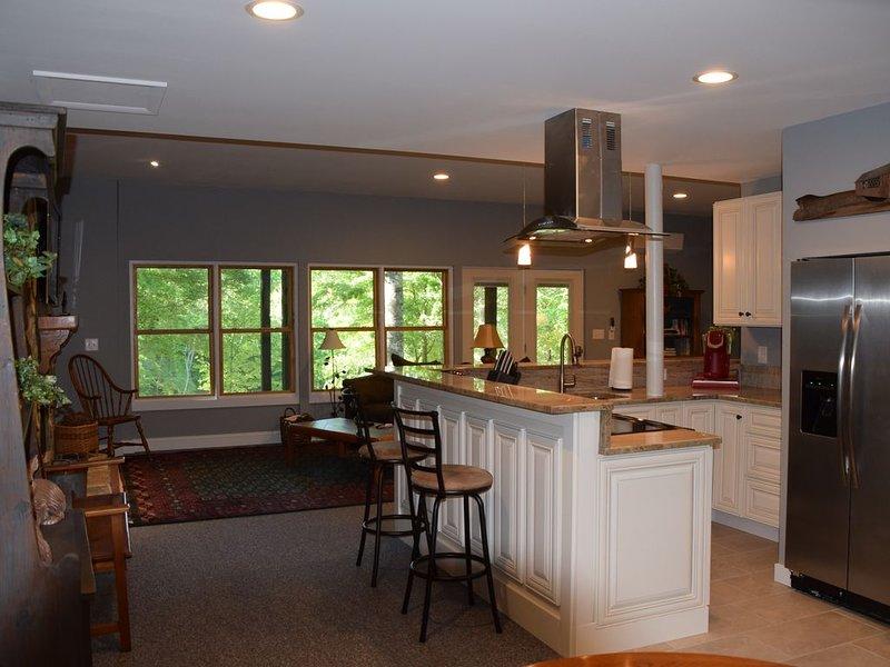 A Relaxing, Peaceful Get-Away Luxury Apartment, alquiler de vacaciones en Bostic
