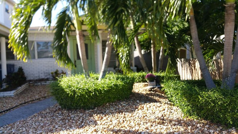 Hip & Fun Wilton Manors Home for 7 (Ft. Lauderdale Area), holiday rental in Wilton Manors