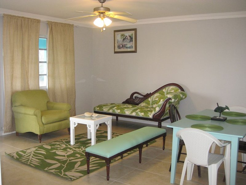 Azul Bungalow on the most scenic Family Island, holiday rental in Deadman's Cay