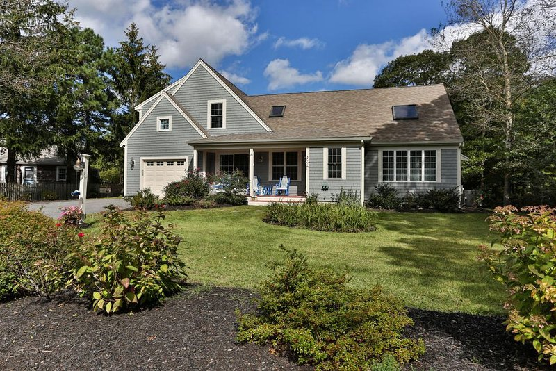 SHORT TERM RENTALS AVAILABLE IN DESIRABLE AREA W YARMOUTH!, holiday rental in Yarmouth