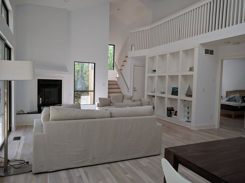 Beautiful newly renovated house with hot tub, vacation rental in Sag Harbor