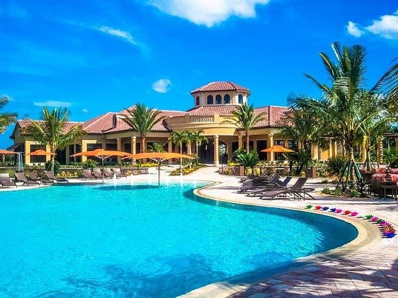 Leave the chill of Fall/Winter behind by visiting Florida's  Beautiful Beaches!, holiday rental in Keewaydin Island