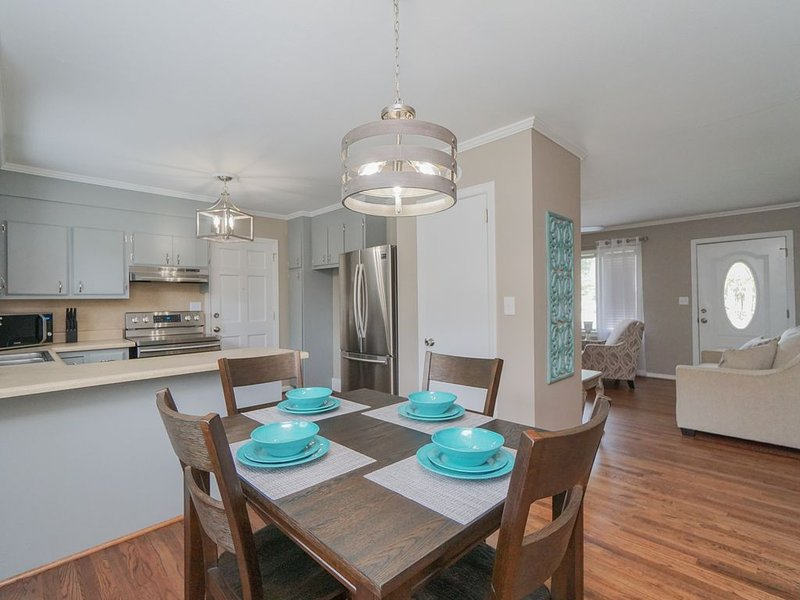 Butternut cottage in the heart of beautiful Greenville South Carolina, vacation rental in Greenville