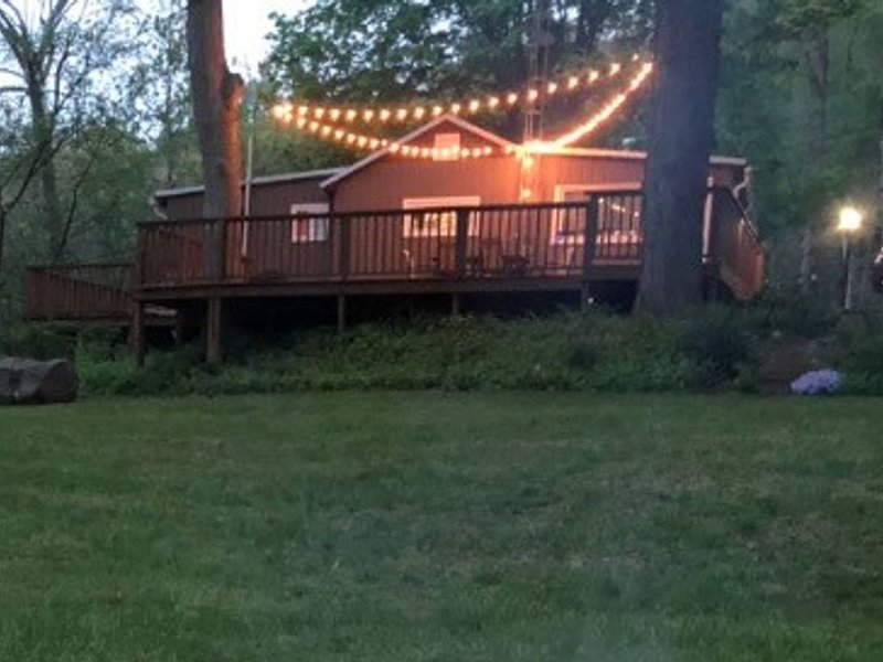 Cabin at the river of the little owls!! 2 bedroom cottage directly on the river., holiday rental in Mount Vernon