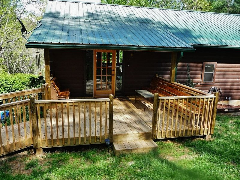 Roomy front deck is a great gathering spot for enjoying nature!
