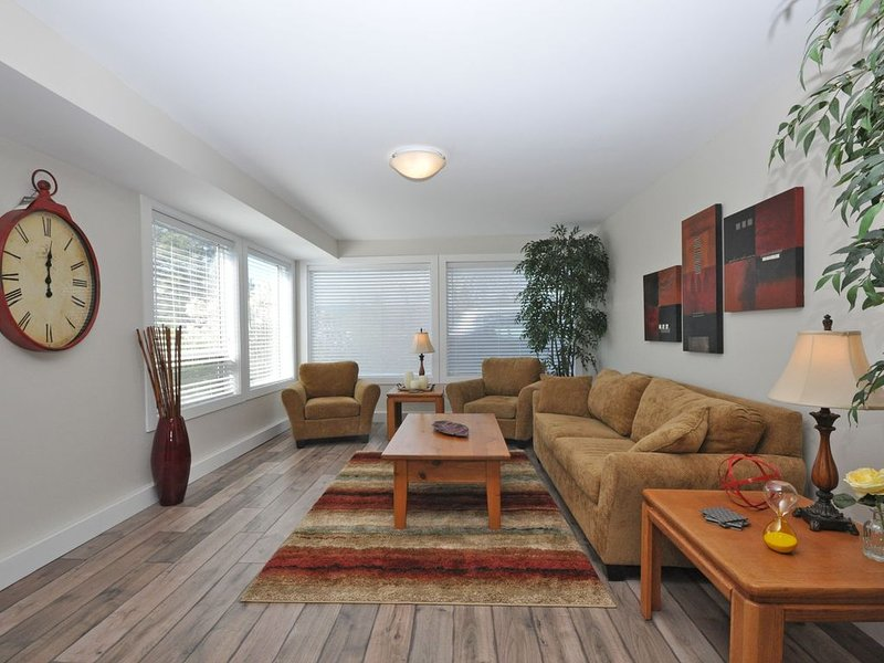 Beautiful Apartment in Shannon Lake area, casa vacanza a West Kelowna