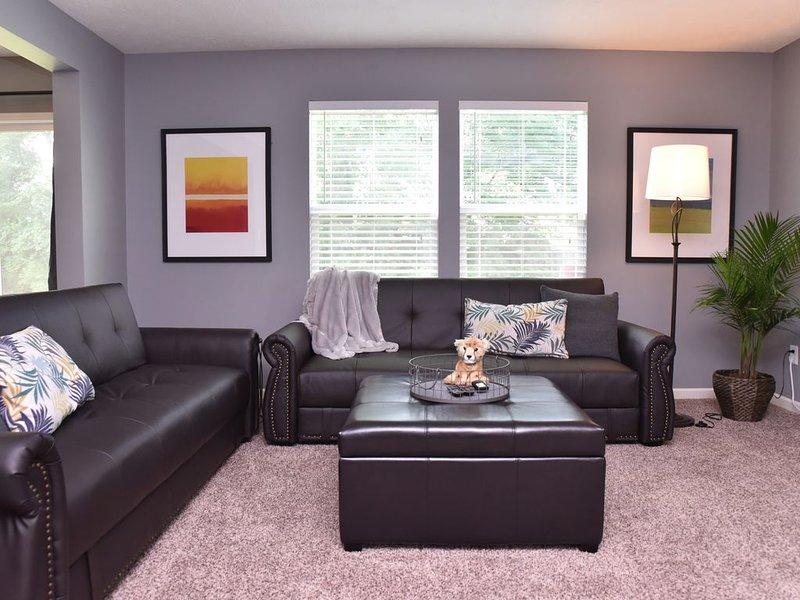 ❤️Splendid 4 BEDROOM in updated home-Sleeps 12❤️, holiday rental in Plainfield