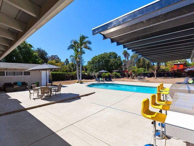 Modern Contemporary Palm Springs Home In San Diego, casa vacanza a Bonita