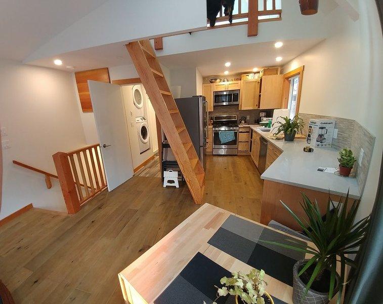 Carriage House - Squamish, Ferienwohnung in Squamish