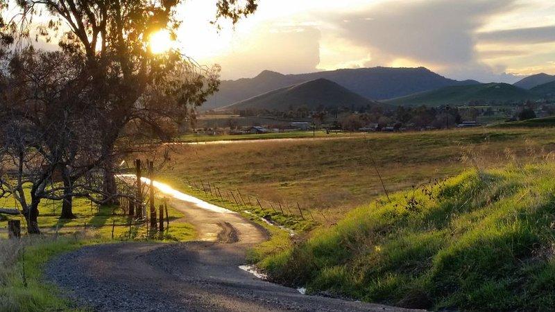 Incredible Views-Great Country Home, location de vacances à Porterville