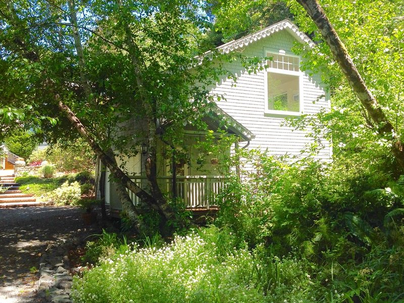 Seaside cottage at Luffenholtz Beach in beautiful Trinidad, CA, holiday rental in Humboldt County