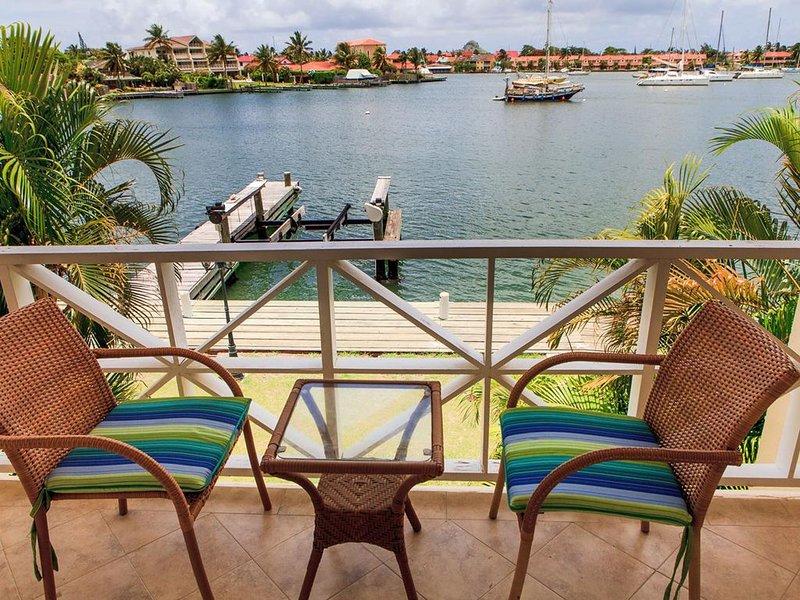 La Kai Nous: Elegant Townhouse, Rodney Bay Marina, location de vacances à Rodney Bay