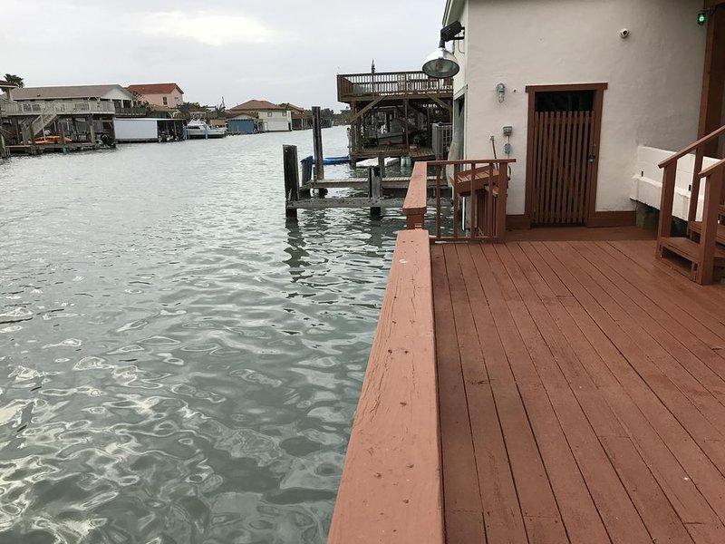 Muelle del barco, estación de limpieza de peces y luz de pesca!