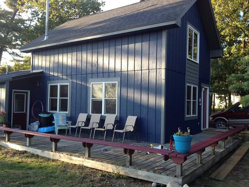 Freesoil Blue House a convenient Beaver Island location, holiday rental in Beaver Island