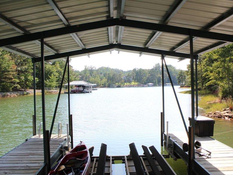 Family getaway on lake near Clemson campus., vacation rental in Seneca