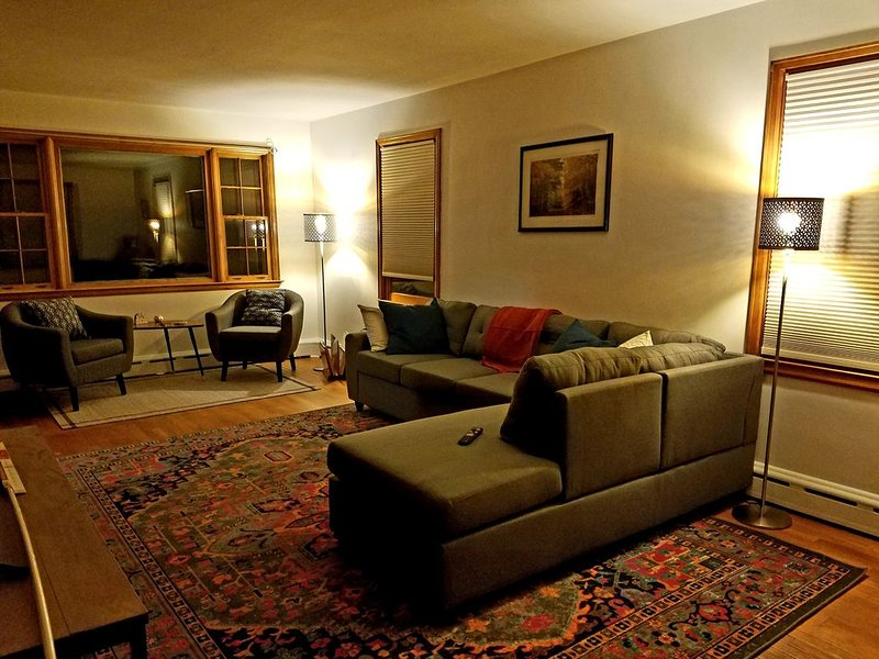 Burlington Home - Great Location to Everything!!, vacation rental in Williston