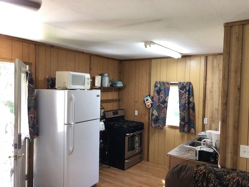 Cozy cabin 1/2 mile from Kenai River, alquiler vacacional en Nikiski