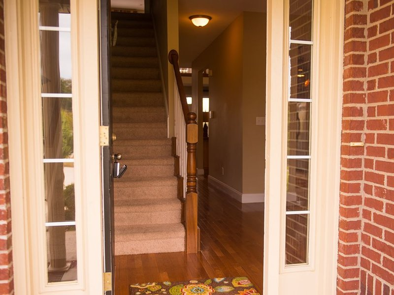 Beautiful townhome on the Lake Cumberland close to Lee s Ford, holiday rental in Somerset