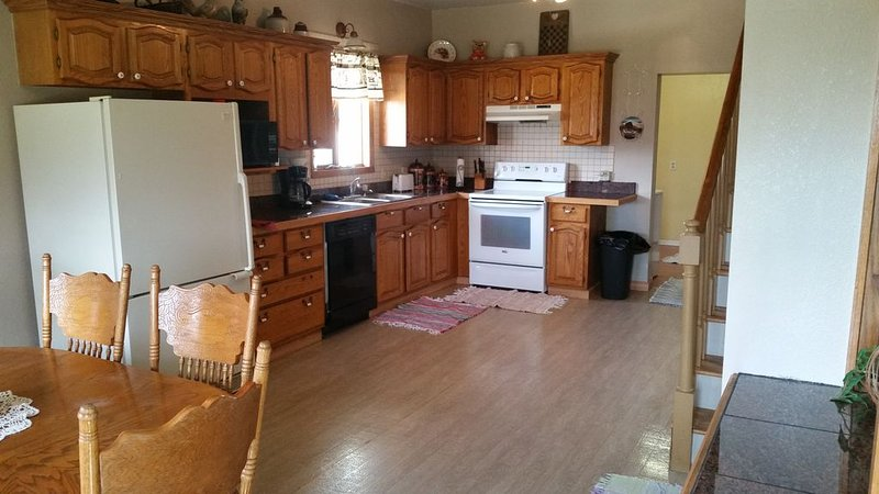 This is another picture of the kitchen/dining room