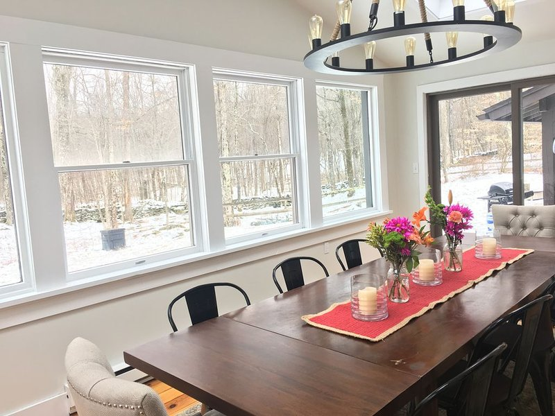 dining room that seats 10 comfortably