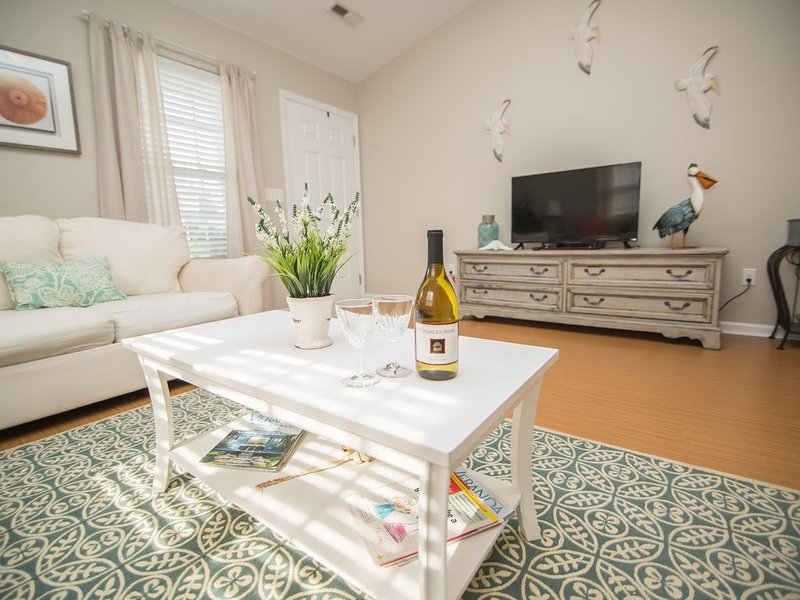 Pelican Place - Large 2 Bedroom Townhome, vacation rental in Wando