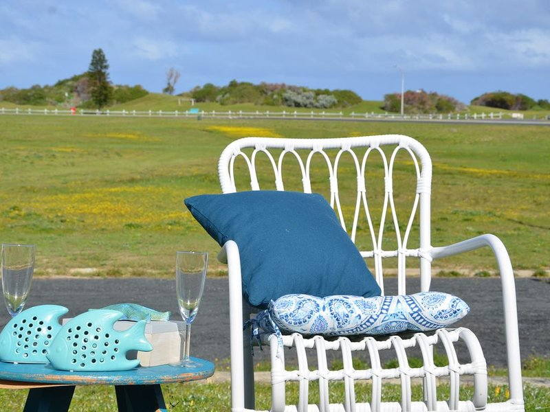 Family Accommodation - Walking distance to ocean, location de vacances à Seabird