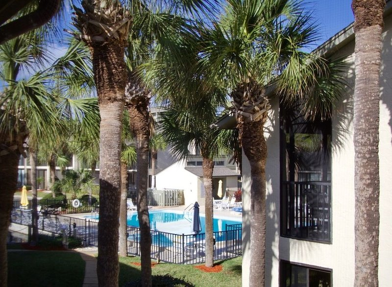 Perfect beach vacation Gold-rated condo ready for you to enjoy the Florida sunsh, vacation rental in Saint Augustine Beach