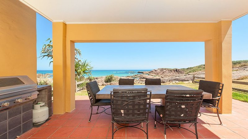 Watch the Waves Roll In, vacation rental in Salt Ash