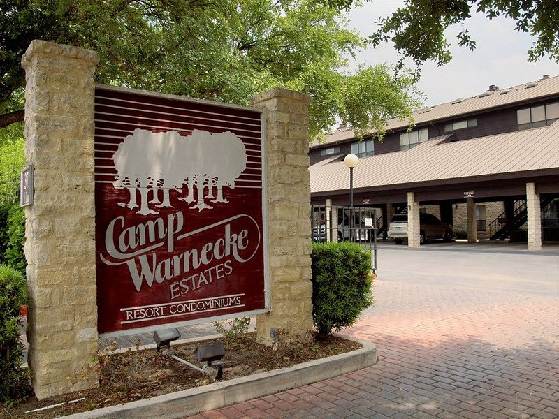 Entrance - Camp Warnecke is a gorgeous retreat located in the center of town on the Comal River and right across the street from Schliterbahn Waterpark!