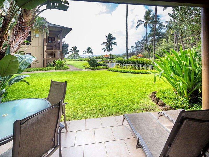 Lanai to Lawn! Chic Kitchen+Bath, Ceiling Fans, WiFi, Tile Floors–Kaha Lani 110, casa vacanza a Lihue