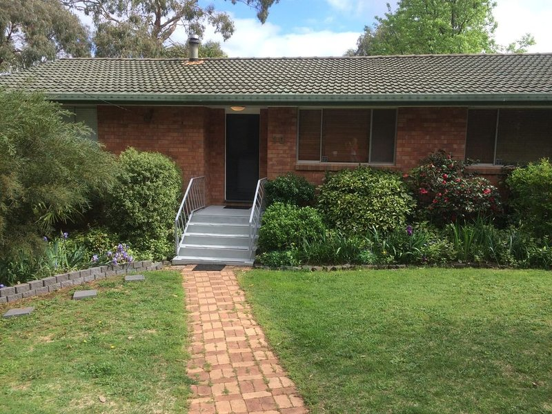 Cockatoo Corner - Armidale, holiday rental in Armidale
