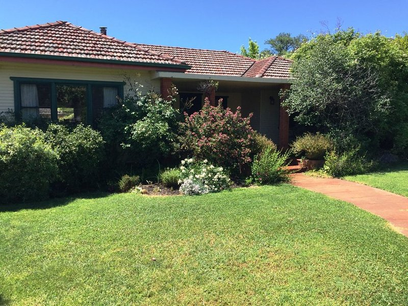 Coolamon on Marsh - Armidale, holiday rental in Armidale