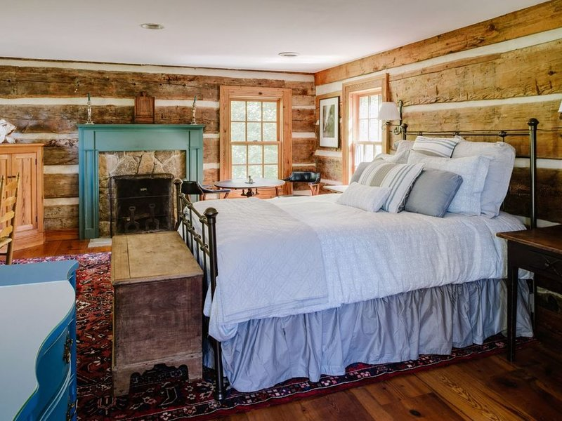 Tim`s Cabin | Cozy Cabin with Amazing View of the Blue Ridge Mountains  Tim's Ca, holiday rental in Stanardsville