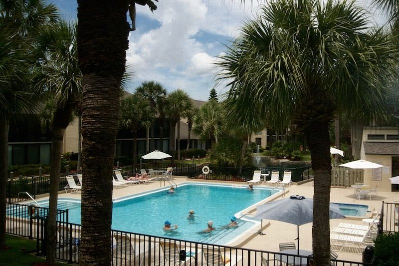 Relax in this lovely gold-rated condo near pool & beach access!, vacation rental in Saint Augustine Beach