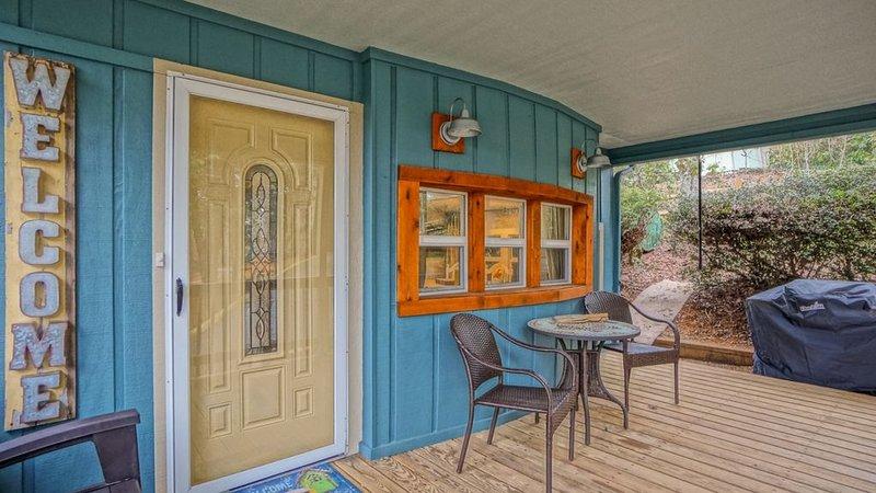Coach's Cabin - Completely remodeled! Fenced yard! Close to amenities in Linvill, alquiler de vacaciones en Jonas Ridge