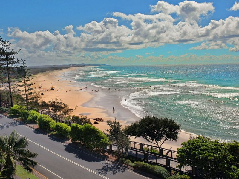 Apartment On The Beach, vacation rental in Coolum Beach