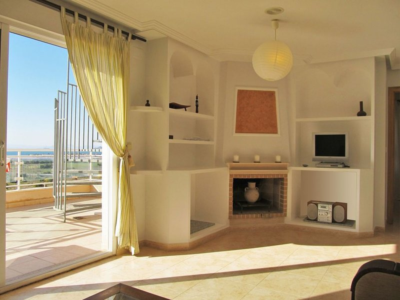 Beautiful penthouse with two big terraces and stunning views in Cala Flores – semesterbostad i Cabo de Palos